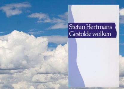 Hertmans gestolde wolken