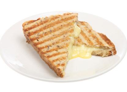 Tosti-oude-Noord-Hollandse-kaas-met-kweeperen-chutney