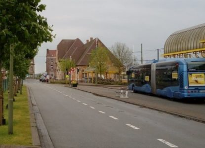 Bus voor station in De panne