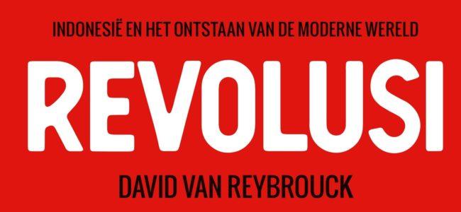 Revolusi titel